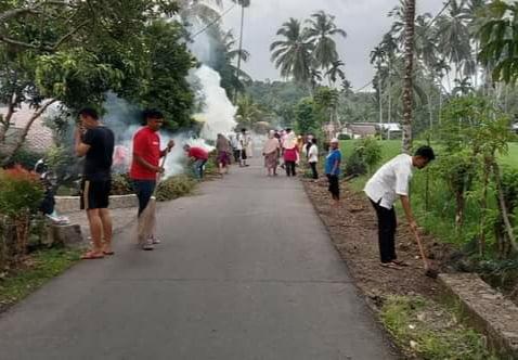 Semangat Jaga Lingkungan, Warga Nagari Persiapan Surabayo Goro Bersama