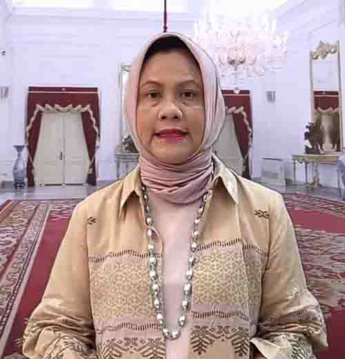 Hadiri Syukuran HUT Dekranasda, Ibu Negara Pakai Baju Tenun Balai Panjang